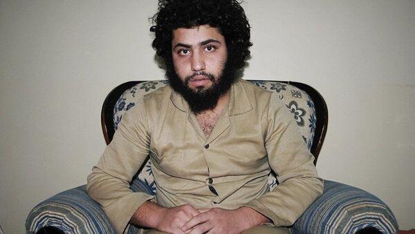 Abdurrahman Abdulhadi - bojownik ugrupowania Daesh, wzięty do niewoli przez kurdyjskie Ludowe Jednostki Samoobrony w Syrii - Sputnik Polska