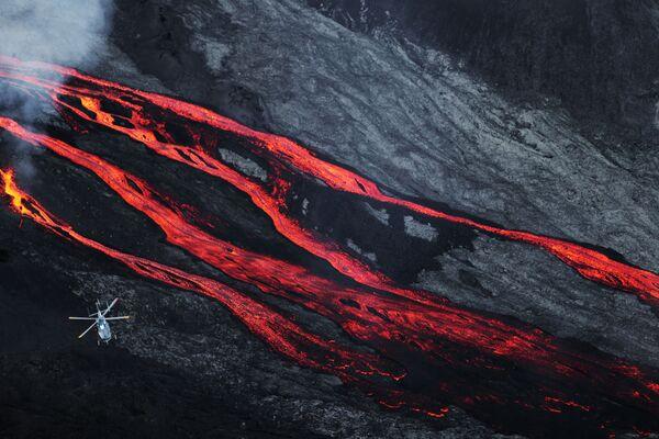 Erupcja wulkanu na oceanie Indyjskim - Sputnik Polska