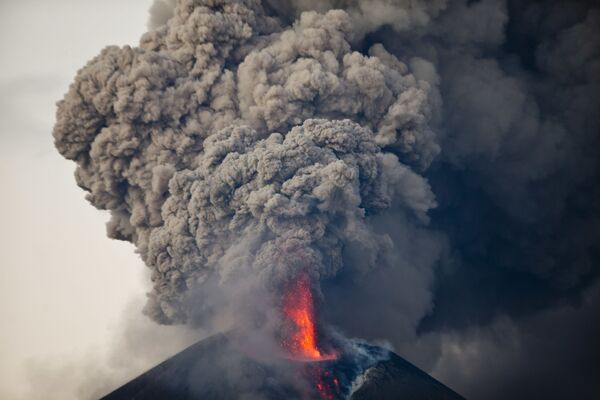 Erupcja wulkanu Momotombo - Sputnik Polska