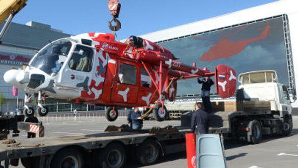 Śmigłowiec Ka-226T przed rozpoczęciem wystawy HeliRussia 2015 w Moskwie - Sputnik Polska