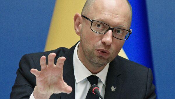 Premier Ukrainy Arsenij Jaceniuk na posiedzeniu ukraińskiego rządu w Kijowie - Sputnik Polska