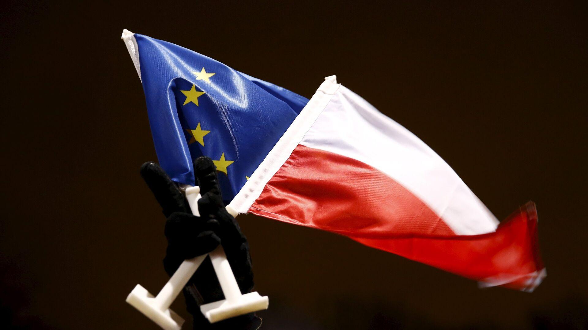 Flaga Polski i Unii Europejskiej - Sputnik Polska, 1920, 08.10.2021
