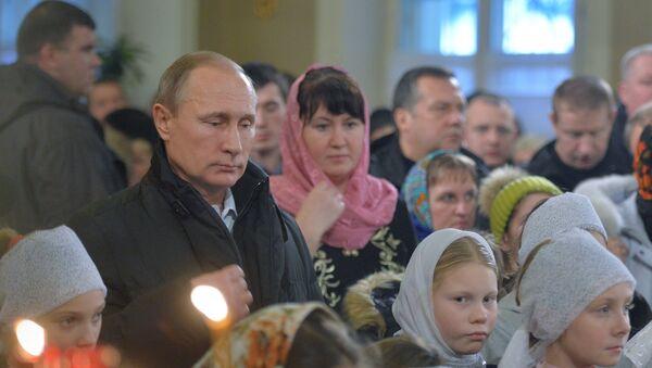 Prezydent Rosji Władimir Putin świętuje Boże Narodzenie - Sputnik Polska
