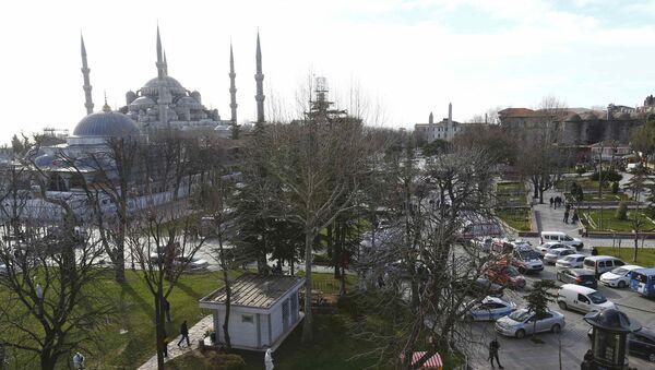 Policja niedaleko Błękitnego Meczetu w Stambule - Sputnik Polska