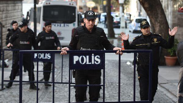 Tureccy policjanci w Stambule - Sputnik Polska
