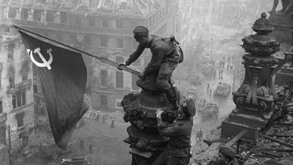 Sztandar Zwycięstwa nad Berlinem - Sputnik Polska