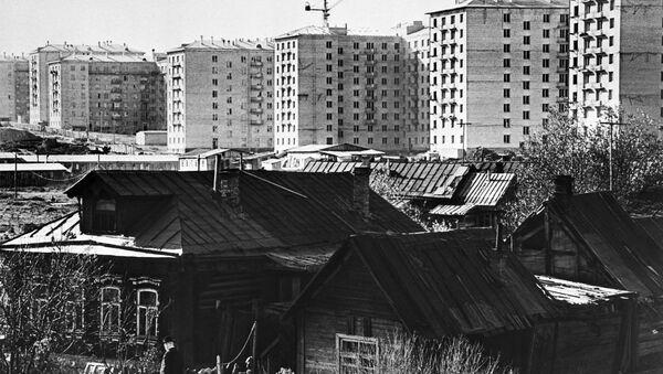 Stare domy i nowe mieszkania w Moskwie - Sputnik Polska