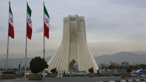 Wieża Azadi w Teheranie - Sputnik Polska