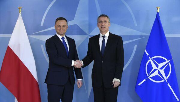 Prezydent Polski Andrzej Duda i sekretarz generalny NATO Jens Stoltenberg na spotkaniu w siedzibie NATO w Brukseli   - Sputnik Polska