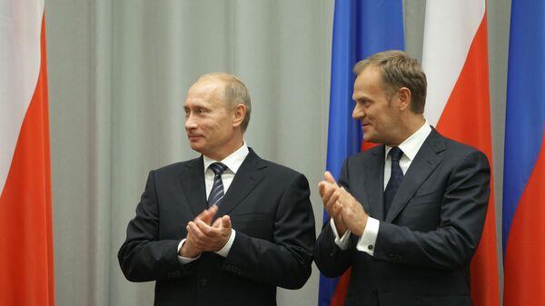 Władimir Putin i Donald Tusk, 1 września 2009 roku. Władimir Putin podczas wizyty roboczej w Polsce. - Sputnik Polska