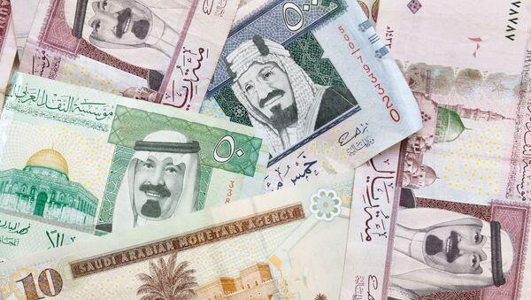 Banknoty riali saudyjskich - Sputnik Polska