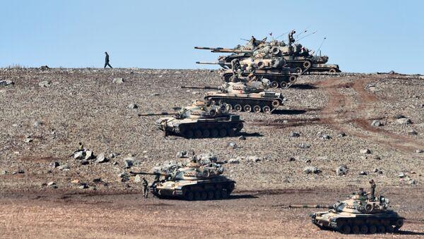 Tureckie czołgi na turecko-syryjskiej granicy - Sputnik Polska
