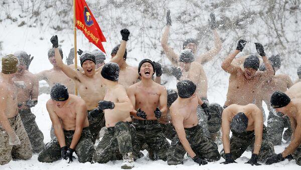 Wspólne ćwiczenia wojskowe Korei Południowej i USA w Pjongczang - Sputnik Polska