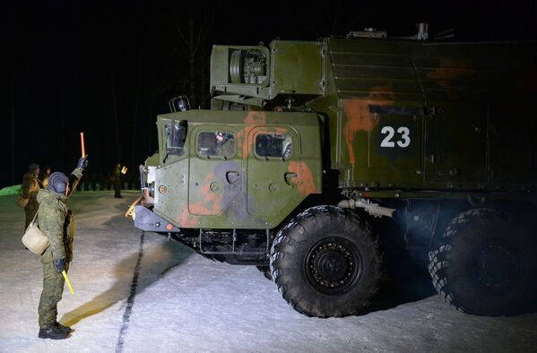 Pojazdy grupy logistycznej przed wyruszeniem na miejsce ćwiczeń. - Sputnik Polska