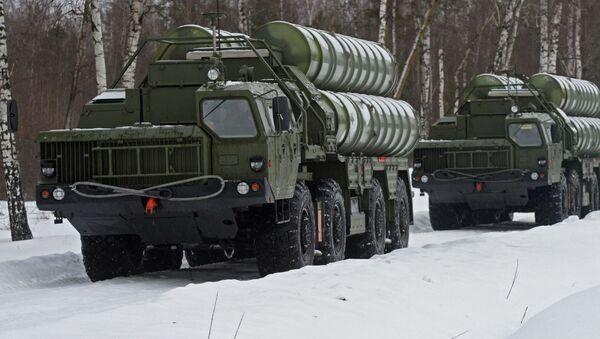Wyrzutnie systemu rakietowego S-400 Triumf - Sputnik Polska