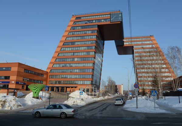 Wieże Technoparku zlokalizowanego na terytorium miasteczka akademickiego w Nowosybirsku - Sputnik Polska