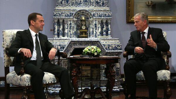 Premier Rosji Dmitrij Miedwiediew i wicekanclerz Austrii Reinhold Mitterlehner - Sputnik Polska