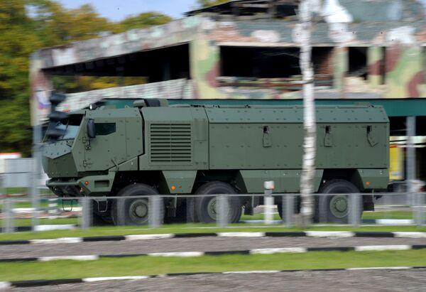 """Ciężarówka KAMAZ """"Tajfun"""" podczas demonstracji modeli pojazdów silnikowych """"KAMAZ"""" - Sputnik Polska"""