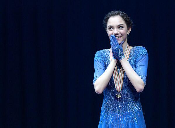 Rosyjska zawodniczka Jewgienija Miedwiediewa, która zdobyła złoty medal na Mistrzostwach Europy w łyżwiarstwie figurowym w Bratysławie - Sputnik Polska