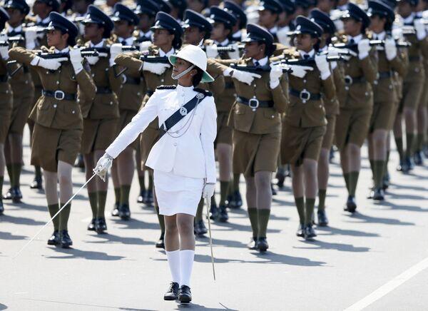 Defilada policjantek podczas obchodów Dnia Niepodległości, Sri Lanka - Sputnik Polska