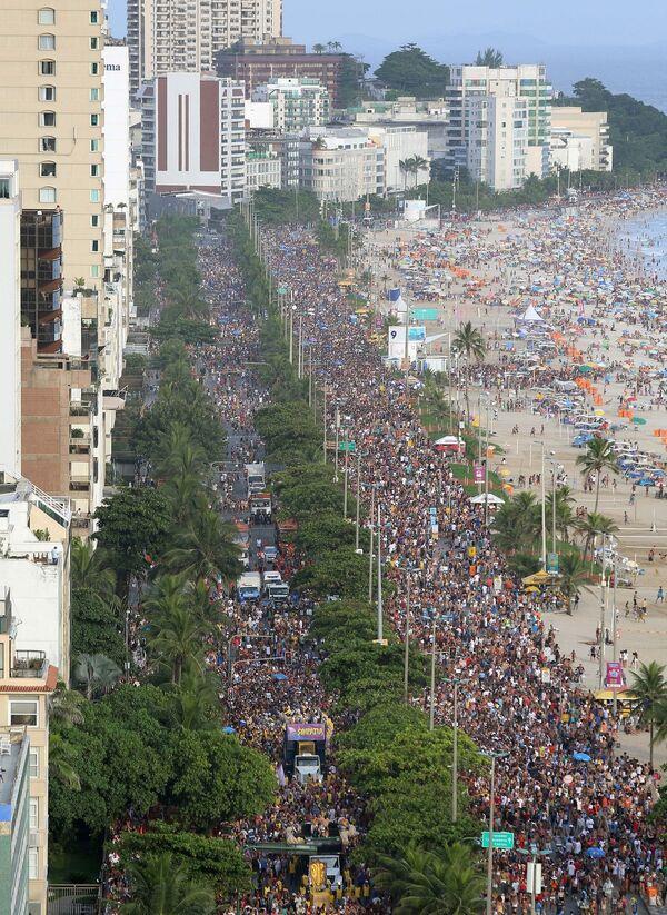 Karnawał przyciąga tłumy turystów z Brazylii i innych krajów - Sputnik Polska