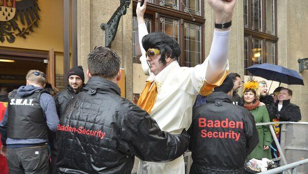 Policja podczas karnawału w Niemczech - Sputnik Polska