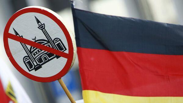 Manifestacja ruchu społecznego Pegida w Niemczech - Sputnik Polska