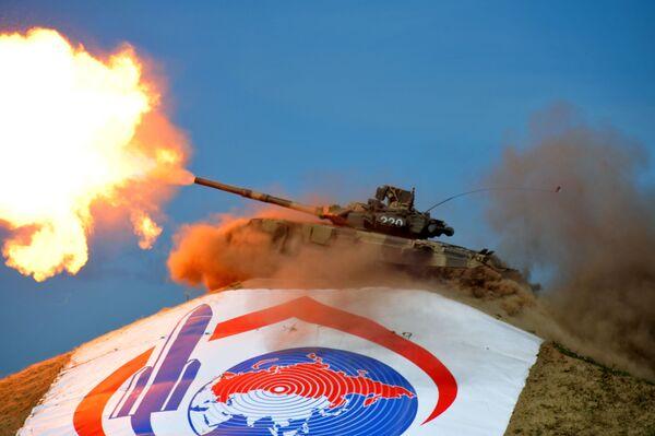 Czołg T-90 S na IX Międzynarodowej wystawie high-tech sprzętu i uzbrojenia WТТW Omsk 2011 - Sputnik Polska