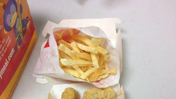 Jedzenie z McDonalda nie zepsuło się w ciągu 6 lat! - Sputnik Polska