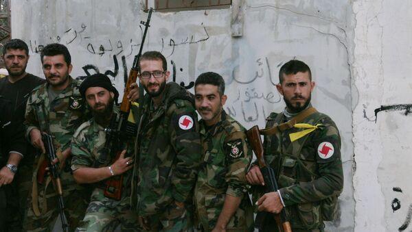Powstańcy z oddziału ochotniczego Syryjskiej Partii Socjal-Nacjonalistycznej w wiosce Gmam w prowincji Latakia - Sputnik Polska