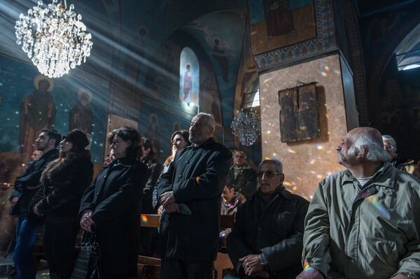 Nabożeństwo w cerkwi Św. Iliana w Homsie, Syria - Sputnik Polska