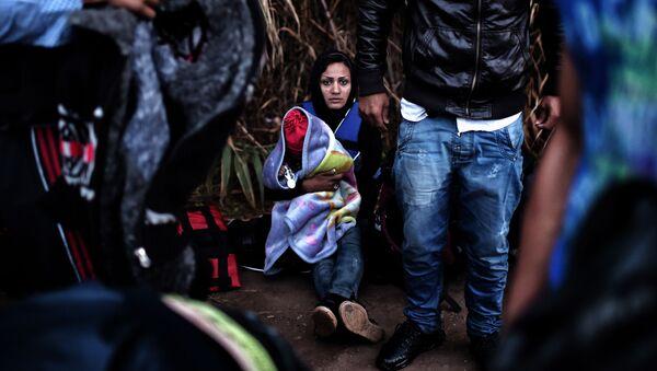 Uchodźcy na greckiej wyspie Lesbos - Sputnik Polska