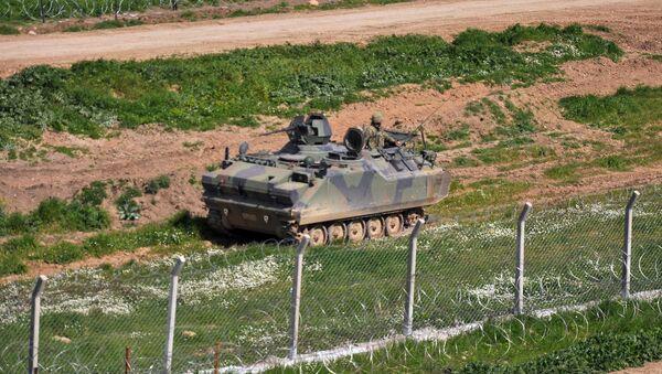 Turecka armia na granicy z Syrią - Sputnik Polska