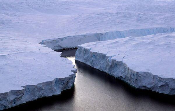 Lód przy wybrzeżu Knoxa na Antarktydzie - Sputnik Polska