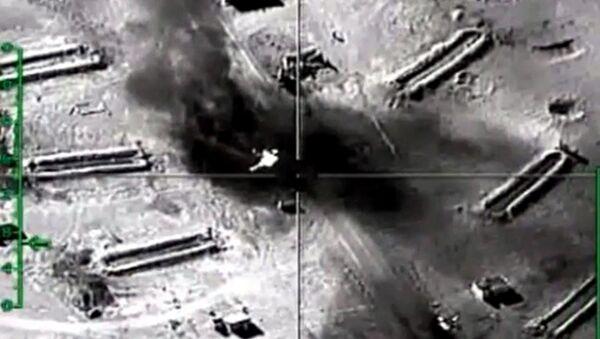 Rosyjskie lotnictwo niszczy na terytorium Syrii obiekty infrastruktury terrorystów ISIS w prowincji Hama - Sputnik Polska