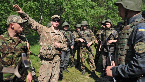 Ukraińscy i amerykańscy wojskowi podczas wspólnych ćwiczeń Fearless Guardian-2015 - Sputnik Polska