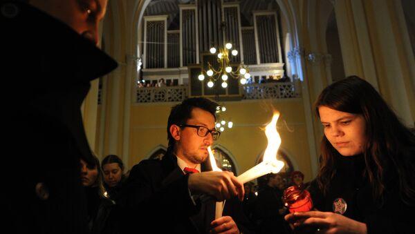 Rosyjscy katolicy na mszy wielkanocnej - Sputnik Polska