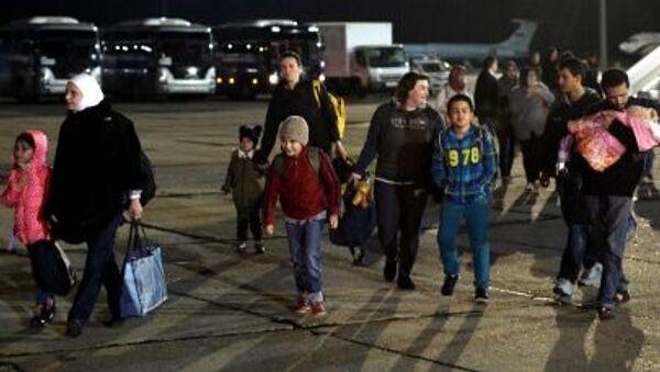 Rosjanie, których ewakuowano z Jemenu na lotnisku pod Moskwą - Sputnik Polska