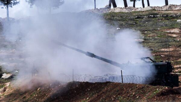 Tureckie czołgi na granicy turecko-syryjskiej - Sputnik Polska