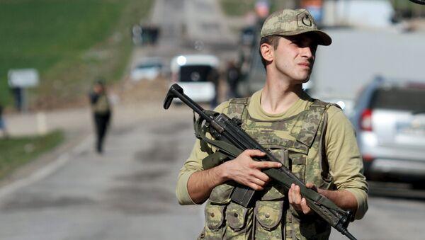 Turecki żołnierz w prowincji Diyarbakır - Sputnik Polska