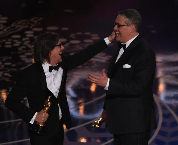 Scenarzysta Charles Randolph i aktor Adam McKay - Sputnik Polska