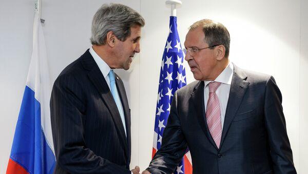 John Kerry i Siergiej Ławrow - Sputnik Polska