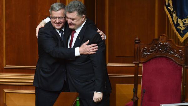 Prezydent Ukrainy Piotr Poroszenko i prezydent Polski Bronisław Komorowski podczas posiedzenia Rady Najwyższej Ukrainy - Sputnik Polska