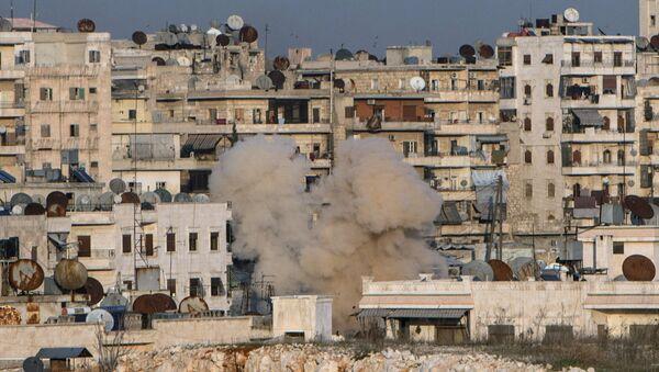 Ostrzał dzielnicy mieszkalnej Aleppo w Syrii - Sputnik Polska