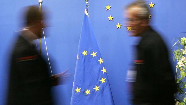 Flaga UE w budynku Rady UE w Brukseli - Sputnik Polska