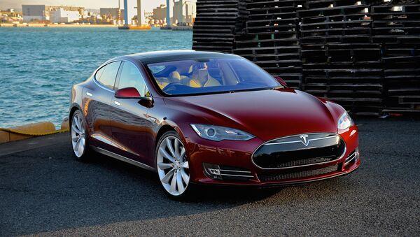 Tesla Model S  - Sputnik Polska