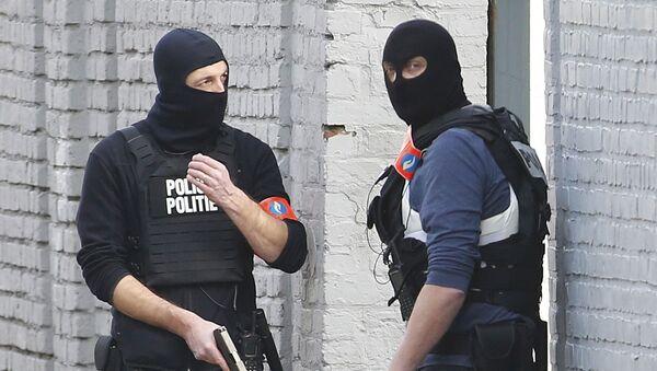 Policja unieszkodliwiła jednego z przestępców, który strzelał do policjantów w Brukseli - Sputnik Polska