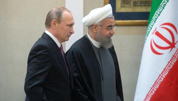 Prezydent Rosji Władimir Putin i prezydent Iranu Hasan Rouhani w Teheranie - Sputnik Polska
