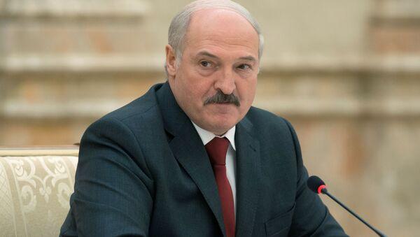 Prezydent Białorusi Aleksander Łukaszenko na posiedzeniu w Mińsku - Sputnik Polska