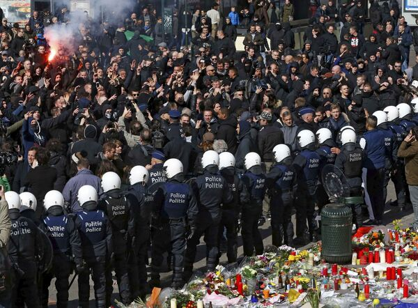 Prostesty przeciwko fali terroryzmu w Brukseli - Sputnik Polska